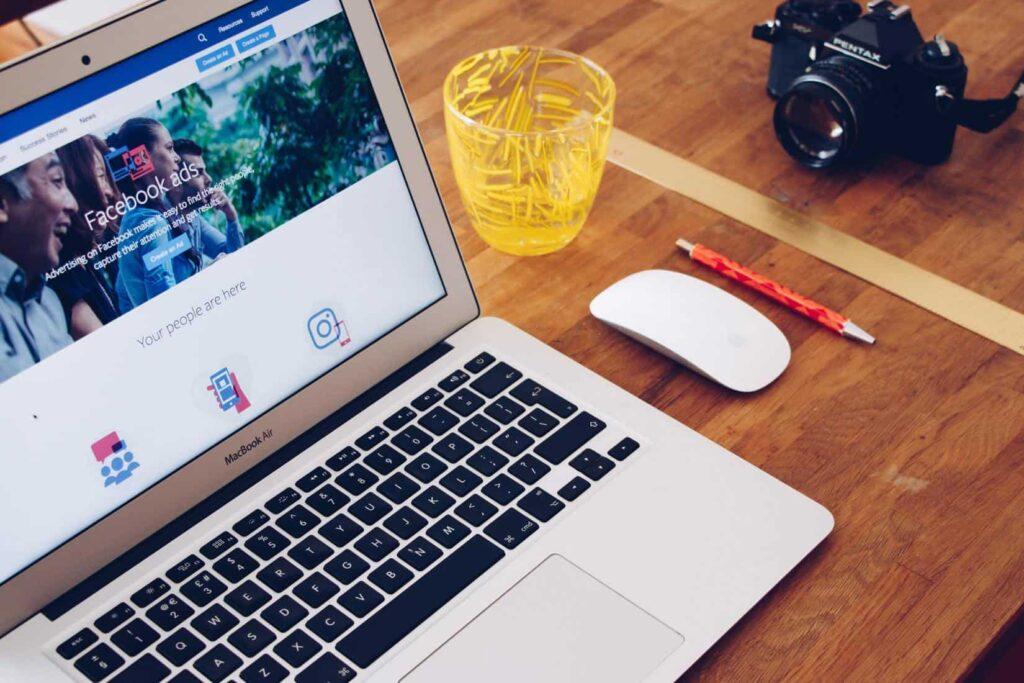 social_advertising_met_facebook_ads