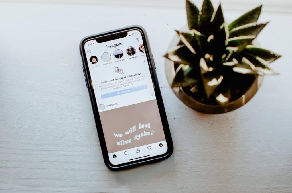 Leapforce social media telefoon met Instagram